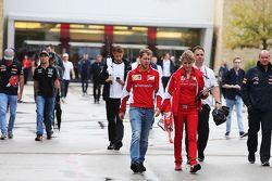 Sebastian Vettel, Ferrari, mit Pressesprecherin Britta Roeske, Ferrari