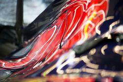 Le capot moteur de la Scuderia Toro Rosso STR10
