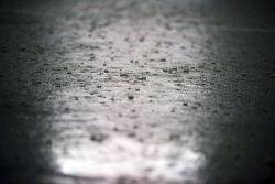 الأمطار الغزيرة تتسبّب في إلغاء التجارب الحرّة الثانية
