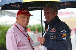 Niki Lauda, Directeur non-exécutif de Mercedes avec Dr Helmut Marko, Consultant pour Red Bull