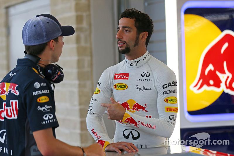 Пьер Гасли, тестовый пилот Red Bull Racing и Даниэль Риккардо, Red Bull Racing