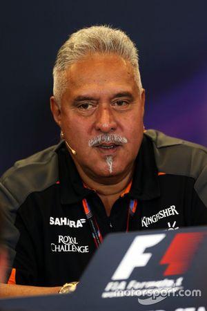 Доктор Виджей Малья, владалец Sahara Force India F1 на пресс-конференции FIA