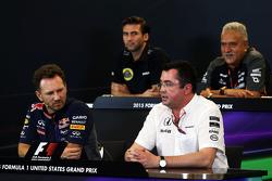 Die FIA-Pressekonferenz: Matthew Carter, Lotus F1 Team, Geschäftsführer; Dr. Vijay Mallya, Sahara Fo