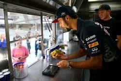 Daniel Ricciardo, Red Bull Racing au travail dans un food truck à Austin