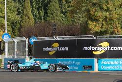 Oliver Turvey, NEXTEV TCR Formula E Team, mit Motorsport.com-Logo