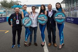 VIPs with lovely Formula E girls