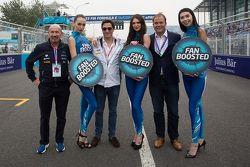 VIPs with lovely Formula E girls