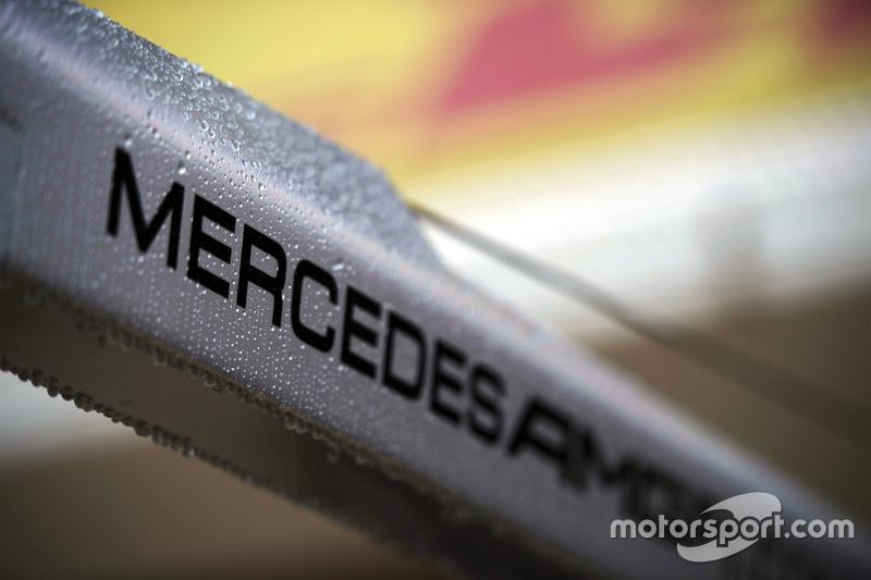 A Mercedes csapatként 95 alkalommal nyert az F1-ben. Előttük a Williams (114), a McLaren (182) és a Ferrari (235) áll. A legjobb ötben még a Lotus van ott 81 győzelemmel.
