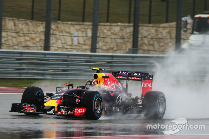 2015 год. За рулем болида Red Bull RB11 на субботней тренировке