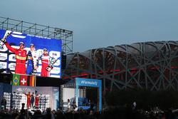 منصة التتويج: الفائز سيباستيان بويمي، إي.دامس رينو، المركز الثاني لوكاس دي غراسي، أبت شايفلر أودي سب