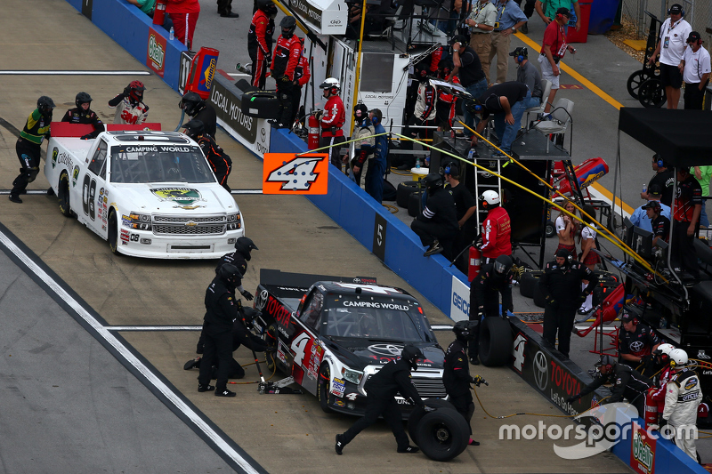 Brian Keselowski, Brad Keselowski Racing Ford and Brandon Jones, GMS Racing Chevrolet