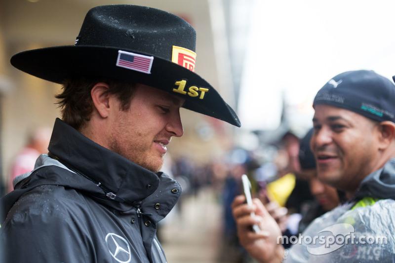 Ніко Росберг, Mercedes AMG F1 з фанатами