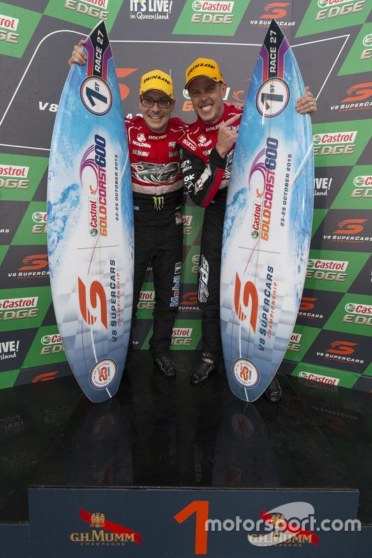 Winnaars James Courtney en Jack Perkins, Holden Racing