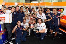 Winner Dani Pedrosa, Repsol Honda Team celebrates with his team