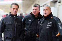 (L to R): Carlos Slim Domit, Chairman of America Movil with Otmar Szafnauer, Sahara Force India F1 Chief Operating Officer and Dr. Vijay Mallya, Sahara Force India F1 Team Owner