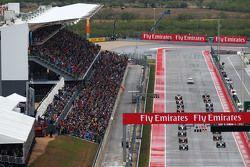 Нико Росберг, Mercedes AMG F1 W06 на поул позиции на стартовой решетке
