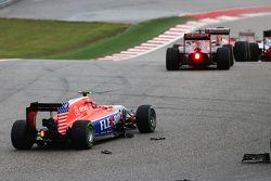 Alexander Rossi, Manor Marussia F1 Team est impliqué dans une collision au départ de la course