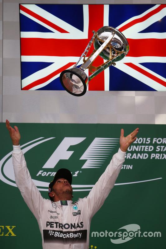 Ganador de la carrera y Campeón del Mundo Lewis Hamilton, Mercedes AMG F1