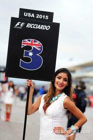 Une charmante Grid Girl pour Daniel Ricciardo, Red Bull Racing