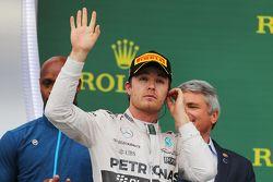 Podium : Nico Rosberg, Mercedes AMG F1 fête sa seconde place