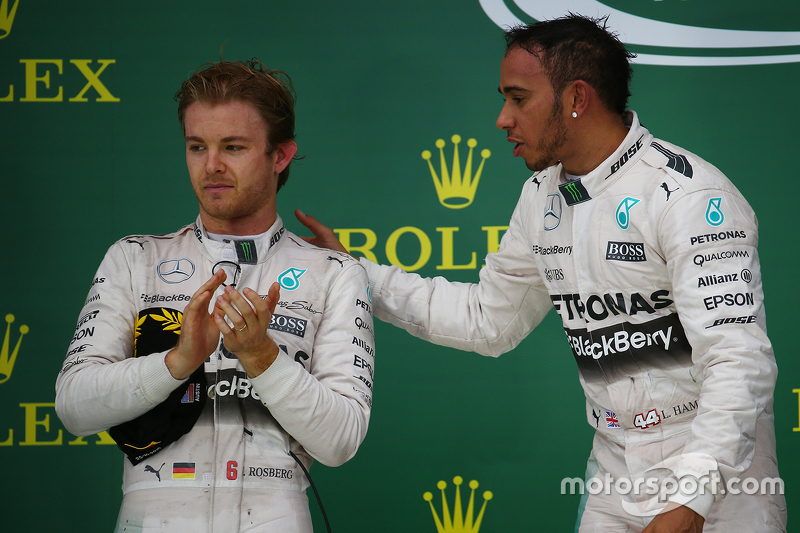Podium: Second place Nico Rosberg, Mercedes AMG F1 W06 and race winner and World Champion Lewis Hami