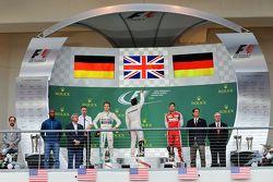 Podium : Le vainqueur et Champion du Monde Lewis Hamilton, Mercedes AMG F1 Team, avec le deuxième Nico Rosberg, Mercedes AMG F1 W06 et le troisième Sebastian Vettel, Ferrari