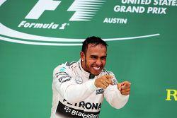 Podium : Le vainqueur de la course et Champion du Monde Lewis Hamilton, Mercedes AMG F1 Team
