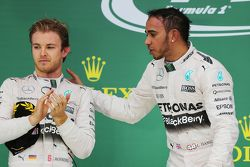 Lewis Hamilton, Mercedes AMG F1 com Nico Rosberg, Mercedes AMG F1 W06