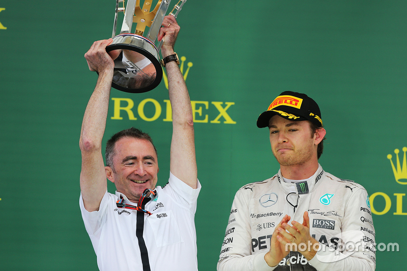 Podium: Paddy Lowe, Mercedes AMG F1 Executive Director celebrates on the podium with Nico Rosberg, M