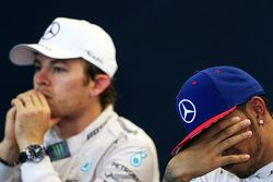 Second place Nico Rosberg, Mercedes AMG F1 and race winner and World Champion Lewis Hamilton, Mercedes AMG F1 in the FIA Press Conference