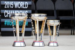 Die Pokale von Mercedes AMG F1 und Lewis Hamilton, Mercedes AMG F1