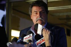 Vice Presidente de NASCAR Mike Helton