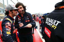Carlos Sainz Jr., Scuderia Toro Rosso on the grid