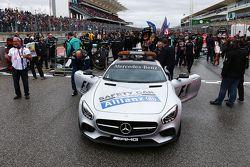 FIA güvenlik aracı gridde