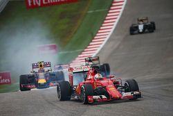 Sebastian Vettel, Ferrari SF15-T bloque une roue au freinage