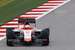 Will Stevens, Manor Marussia F1 Team with a puncture