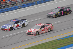 Kyle Larson, Chip Ganassi Racing Chevrolet and Ricky Stenhouse Jr., Roush Fenway Racing Ford and Jam