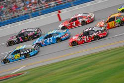Michael McDowell, Leavine Family Racing Ford and Jamie McMurray, Chip Ganassi Racing Chevrolet and A