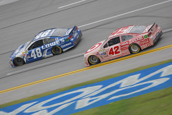 Jimmie Johnson, Hendrick Motorsports Chevrolet and Kyle Larson, Chip Ganassi Racing Chevrolet