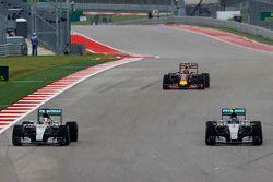 Lewis Hamilton, Mercedes AMG F1 W06 and team mate Nico Rosberg, Mercedes AMG F1 W06 battle for position