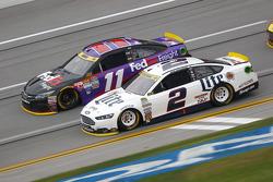 Brad Keselowski, Team Penske Ford; Denny Hamlin, Joe Gibbs Racing Toyota
