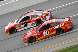 Greg Biffle, Roush Fenway Racing Ford and Alex Bowman, Tommy Baldwin Racing Chevrolet