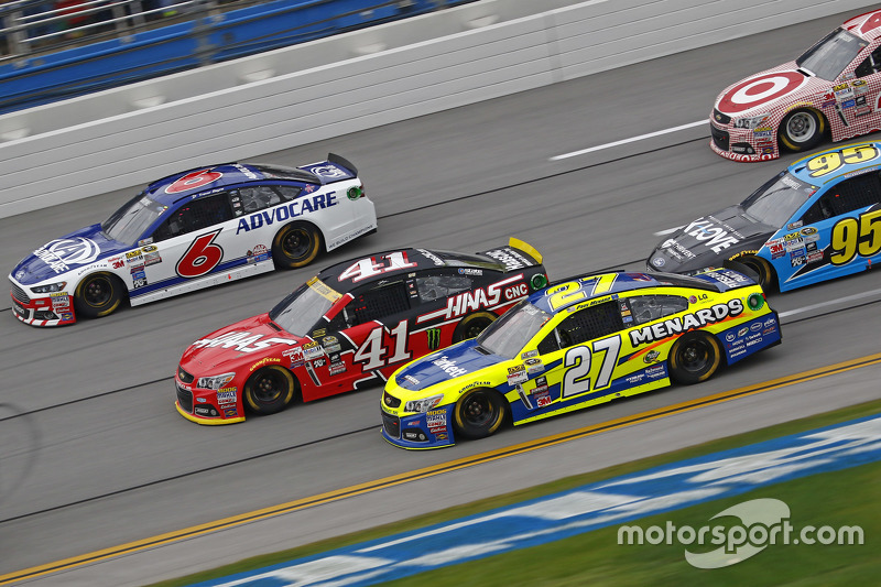 Matt Kenseth, Joe Gibbs Racing Toyota and Tony Stewart, Stewart-Haas Racing Chevrolet and Ricky Stenhouse Jr., Roush Fenway Racing Ford