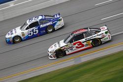 Austin Dillon, Richard Childress Racing Chevrolet y David Ragan, Michael Waltrip Racing Toyota