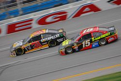 Ryan Newman, Richard Childress Racing Chevrolet and Clint Bower, Michael Waltrip Racing Toyota
