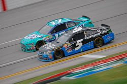 Kasey Kahne, Hendrick Motorsports Chevrolet and Ricky Stenhouse Jr., Roush Fenway Racing Ford