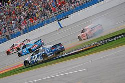 Restart: Jimmie Johnson, Hendrick Motorsports Chevrolet spins
