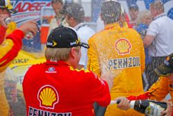 Winner Joey Logano, Team Penske Ford