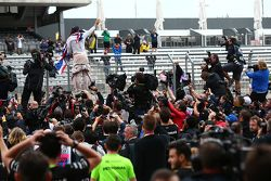 Lewis Hamilton, Mercedes AMG F1 Team, feiert seinen 3. WM-Titel