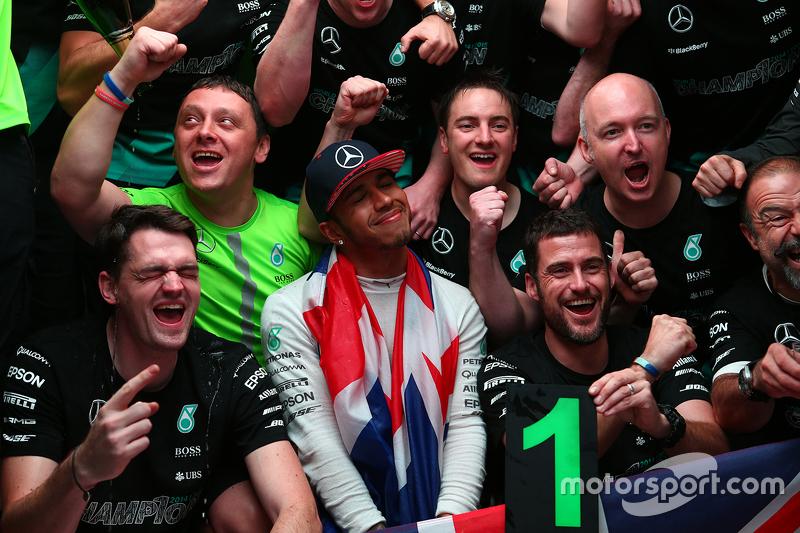 Lewis Hamilton, Mercedes AMG F1 Team fête son troisième titre de Champion du Monde